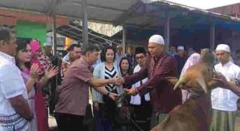 Wakili Bupati Minahasa, Wagey Serahkan Hewan Qurban di Mesjid At Tauba Lapas Tondano
