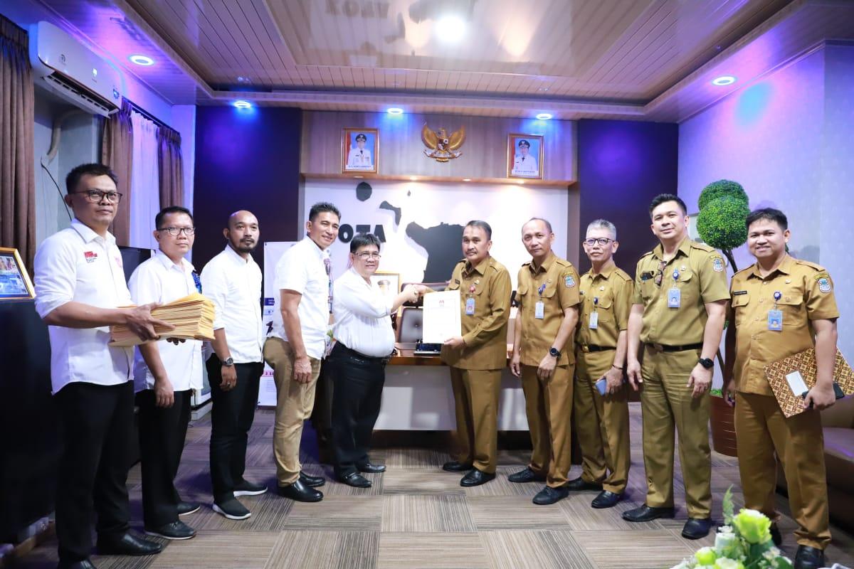 Pemkot Manado Terima Dokumen Penetapan Caleg Terpilih Hasil Pemilu 2019