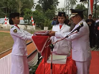 Wabup Legi Irup Penurunan Bendera HUT RI ke-74 Tahun