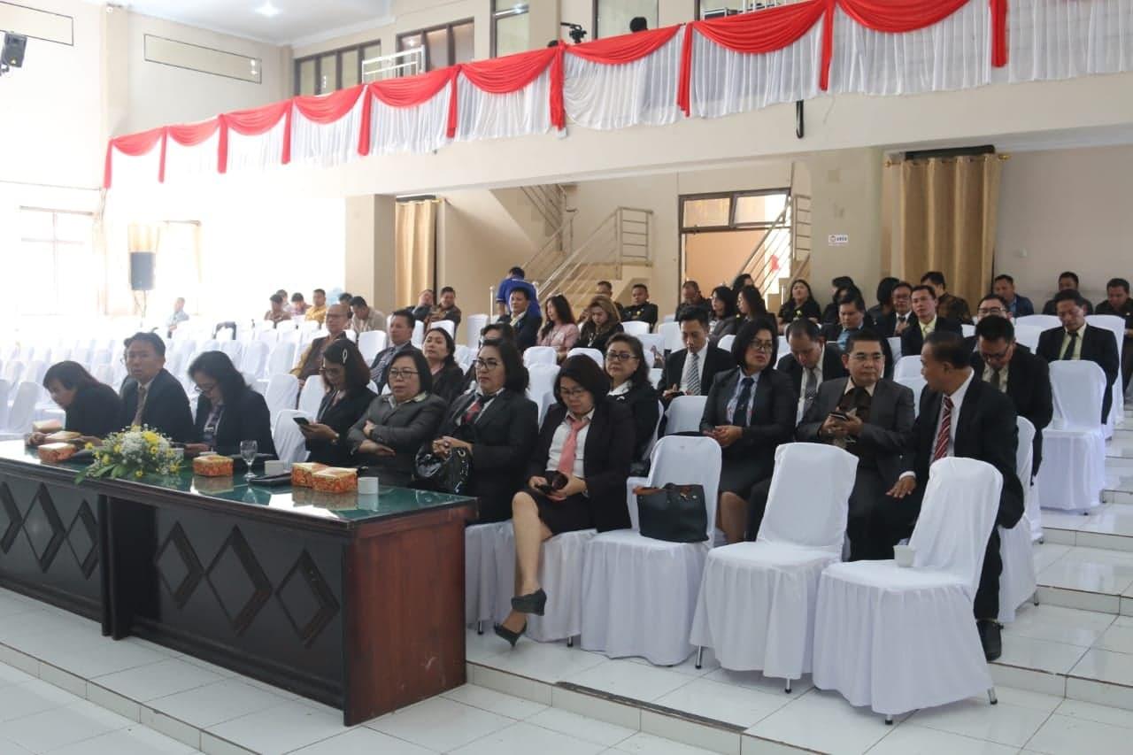 jajaran Pemkot Tomohon yang hadir di Rapat Paripurna