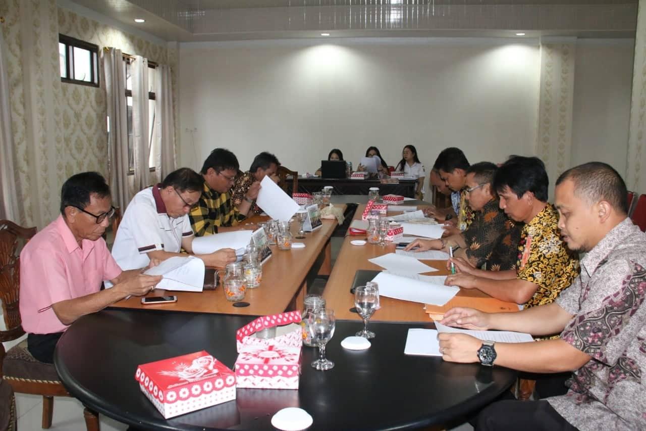 Rapat Pembahasan Pansus Ranperda P3 DPRD Tomohon dengan instansi terkait