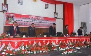 Pidato Kenegaraan Presiden RI, ROR – RD Hadiri Rapat Paripurna DPRD Minahasa