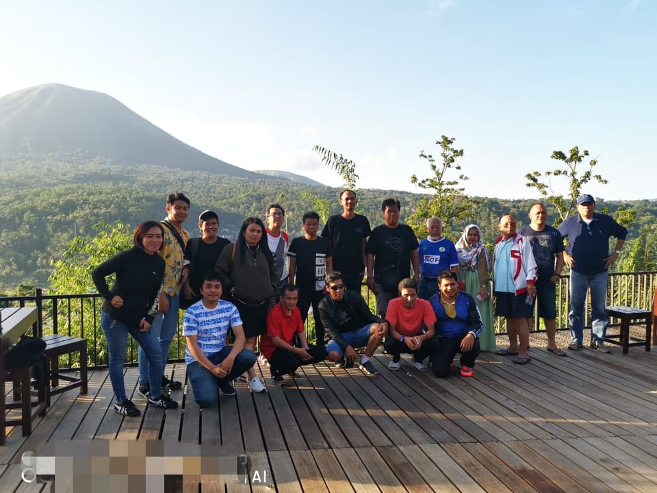 Peserta TIBT City Tour di Lokon View Woloan