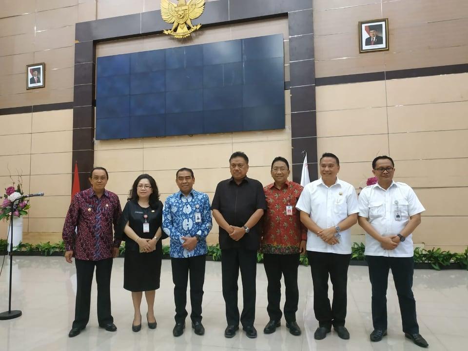 Wali Kota Tomohon Jimmy F Eman SE Ak CA menghadiri Rakorda Pengendalian Kebakaran Hutan dan Lahan
