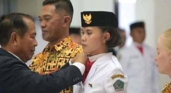 Walikota Max Lomban Kukuhkan 48 Anggota Paskibra Kota Bitung