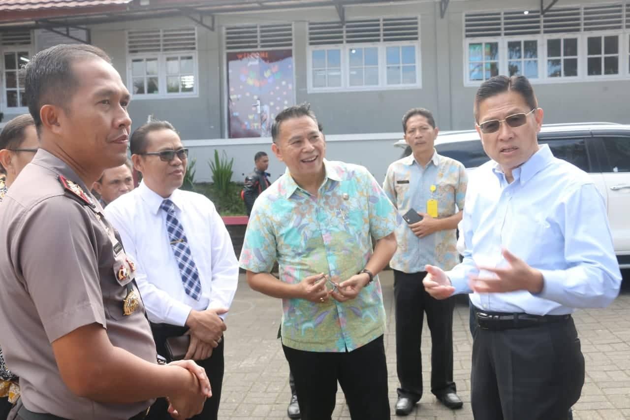 James Riady memberikan penjelasan keberadaan SLH di Kota Tomohon
