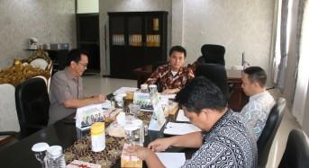 Christo Eman Pimpin Rapat Bahas Tujuh Agenda DPRD Tomohon