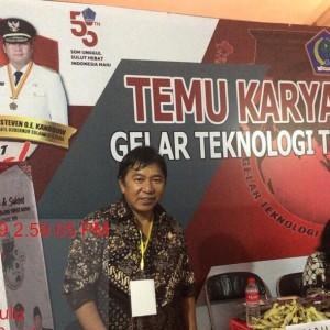 Bupati James Sumendap SH saat menghadiri Temu Karya Nasional Tepat Guna di Bengkulu