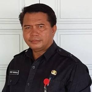 Sekretaris Daerah Kabupaten Mitra Drs Robby Ngongoloy
