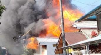 Api Hanguskan Tiga Rumah di Matani Dua Tomohon Tengah