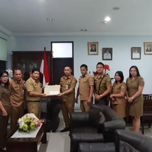 Penyerahan SK Gubernur Nomor 322/2019