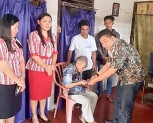 Pemkab Mitra Salurkan Bantuan Lanjut Usia di Empat Kecamatan