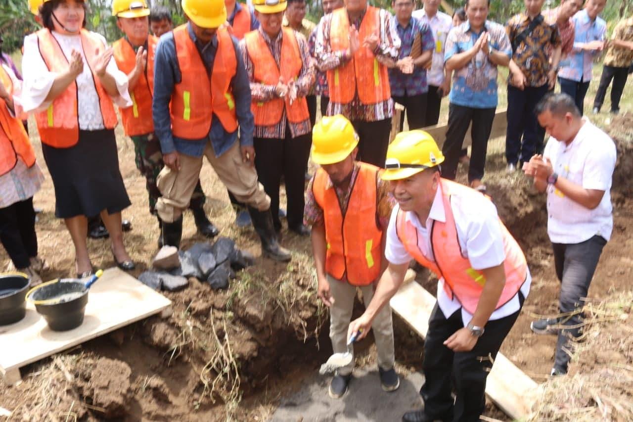 Wali Kota Tomohon meletakkan batu pembangunan Rudis dan Lapas Perempuan