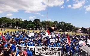 Gelar Mimbar Bebas di Lapangan Manguni Tondano, Mahasiswa Sampaikan Empat Tuntutan
