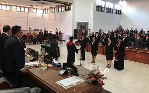 Pimpinan DPRD Minahasa Resmi Dilantik