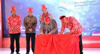 AIS Forum 2019, Gubernur Olly dan President of Grab Indonesia Tandatangani MoU Majukan Sektor Pariwisata Sulut