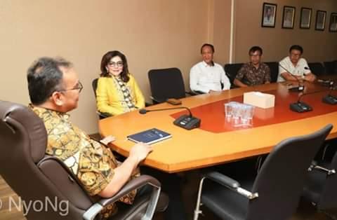 Bupati CEP didampingi sejumlah pejabat Prmkab Minsel saat melaksanak kunker di Kementerian Agraria (ist)