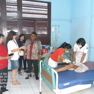 Berty Ondang saat dibawa ke rumah sakit