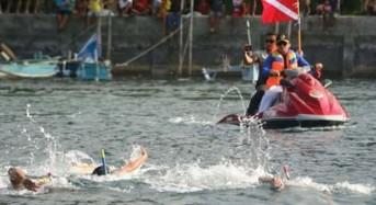 42 Perenang Berlomba Lintasi Selat Lembeh di Ajang FPSL