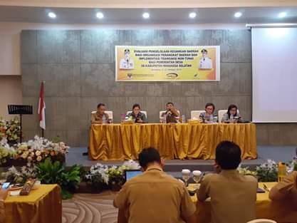 Rapat Evaluasi Pelaksanaan Transaksi Non Tunai Bagi Pemerintah Desa di Kabupaten Minsel. (Ist)