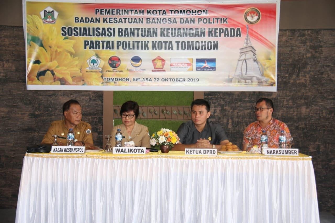 Sosialisasi Bantuan kepada Partai Politik oleh Pemkot Tomohon