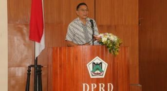 Eman Hadiri Paripurna Pengumuman dan Penetapan Fraksi di DPRD Tomohon