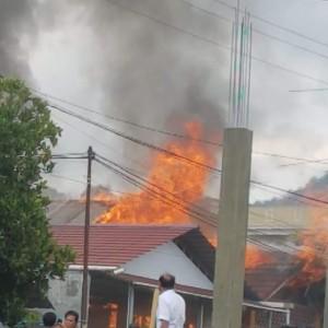 Kebakaran di Kelurahan Paslaten Dua Tomohon Timur
