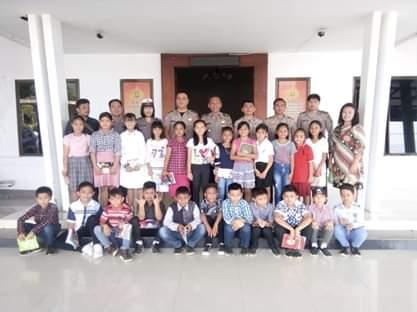 Usai Dicanangkan Bupati JS, Seragam Bebas Rapih Murid SD, SMP Mulai Ditertapkan di Mitra
