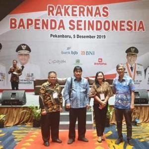 Kepala BPKPD Kota Tomohon Drs Gerardus E Mogi mengikuti Rakerna Bapenda di Pekanbaru Riau