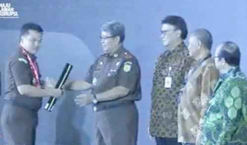 Terima Pengargaan WBK, Wali Kota Tomohon Ucapkan Selamat kepada Kajari
