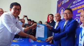 Edwin Poluan Daftar Calon Wali Kota Tomohon di Nasdem
