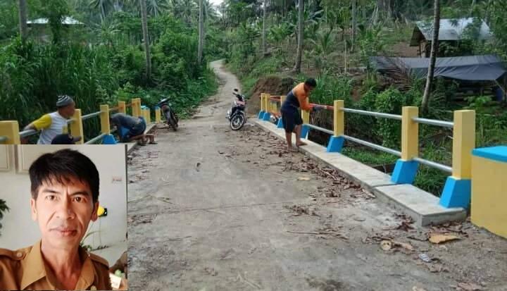 Pembangunan Jembatan, salah satu pekerjaan fisik yang selesai dikerjakan dengan menggunakan anggaran Dana Desa 2019 (Insert Penjabat Hukum Tua Desa Tokin Fenty Kalangi). (ist)
