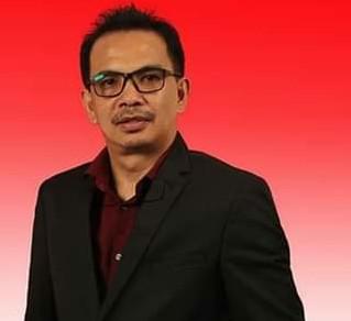 Ketua KPU Bitung Desli Sumampow, S.E