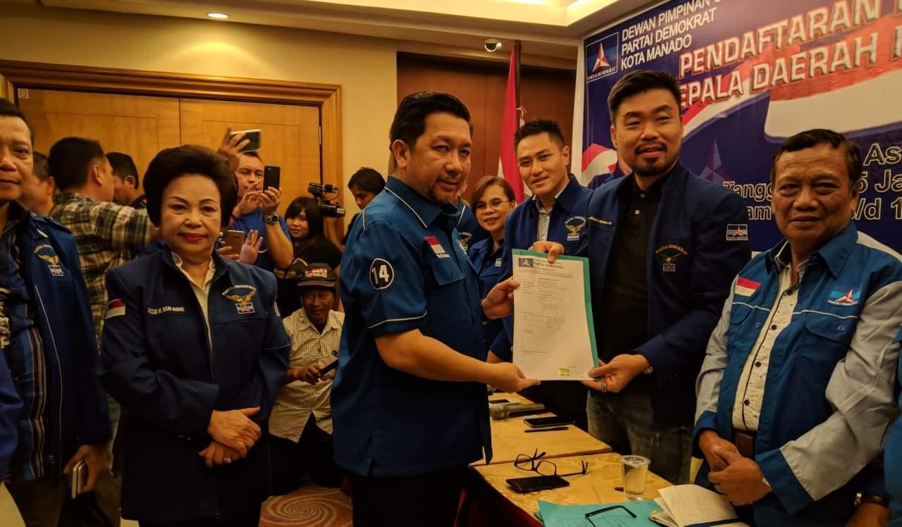 Mor Bastiaan Mendaftar Balon Wali Kota Manado di Partai Demokrat