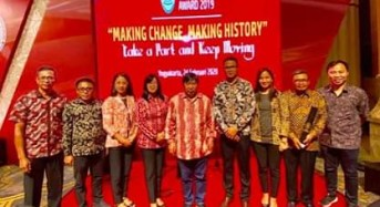 Diterima Bupati JS, Pemkab Mitra Raih Predikat B SAKIP 2019