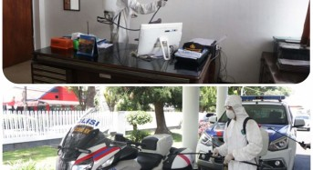 Polda Sulut Semprot Disinfektan Ruang Kerja dan Kendaraan Dinas Kepolisian