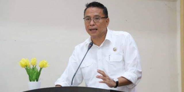 Wali Kota Tomohon Jimmy Feidie Eman Eman SE Ak CA