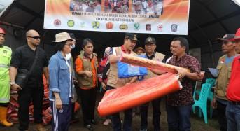 Tinjau Lokasi Bencana Bolmong dan Bolmut, Wagub Kandouw Serahkan Bantuan ke Masyarakat