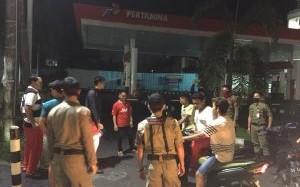 Satpol PP Sulut Sisir Pusat Keramaian dan Imbau Warga Bubar dari Kerumunan