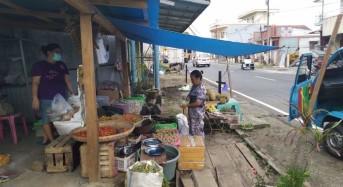 Dampak Covid-19, Pedagang Pasar Ratahan Kini Berjualan di Rumah Masing-Masing