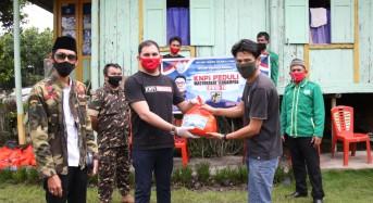 KNPI Sulut dan Minahasa serta IWWM Minahasa Salurkan Sembako ke Tukang Ojek dan Mahasiswa UNIMA