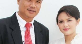 Sekda Mitra David Lalandos Bersama Keluarga Ucapkan Selamat Idul Fitri 1441 H