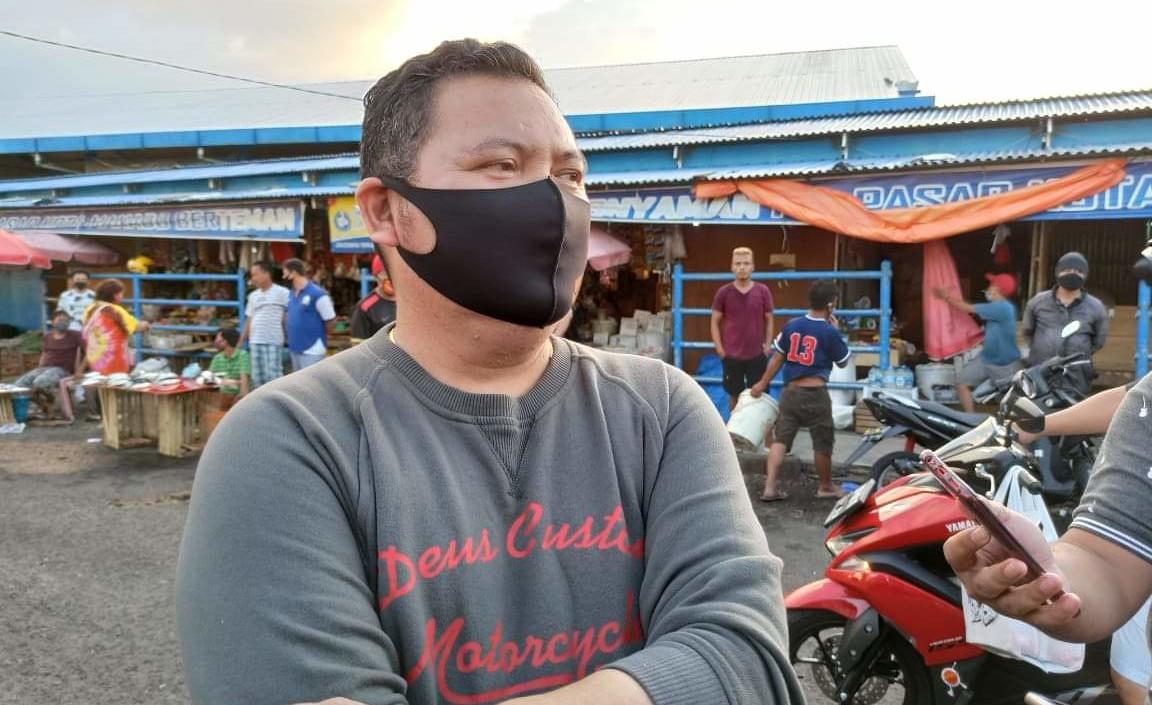 Dirut PD Pasar Kota Manado Stenly Suwuh