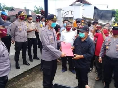 Kapolres Rahardian Terima Aksi Damai Ratusan Kader PDI-P Minahasa Tenggara