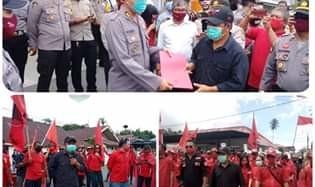 Dipimpin Sumendap, Ratusan Kader PDI-P Mitra Gelar Aksi Damai Kecam Pembakaran Bendera