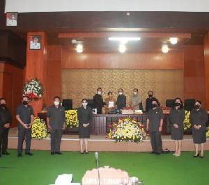 Penyerahan Rekomendasi terhadap LKPJ Akhir Tahun 2019 kepada Wali Kota Tomohon oleh Ketua DPRD Tomohon