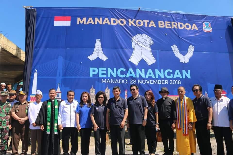 Wali Kota G.S Vicky Lumentut saat mencanangkan Manado Kota Berdoa pada tanggal 28 November 2018