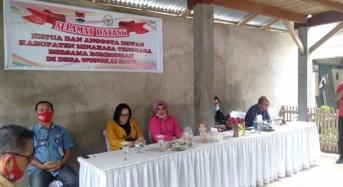 Dipimpin Marty Ole, DPRD Mitra Dapil Satu Awasi Penggunaan BLT Dandes di Desa Wongkai