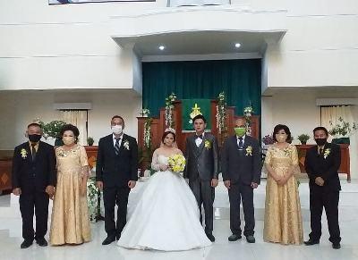 Wali Kota Tomohon Saksi Pernikahan Kristovel dan Melissa
