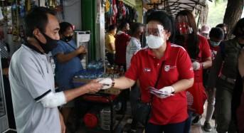 Ketua dan Wakil Ketua TP-PKK Sulut Bagikan 1.000 Masker Gratis ke Warga Manado